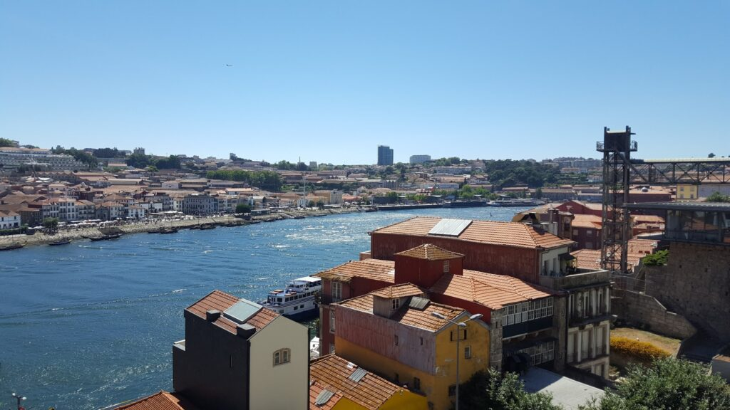 Picture of Douro river in Porto